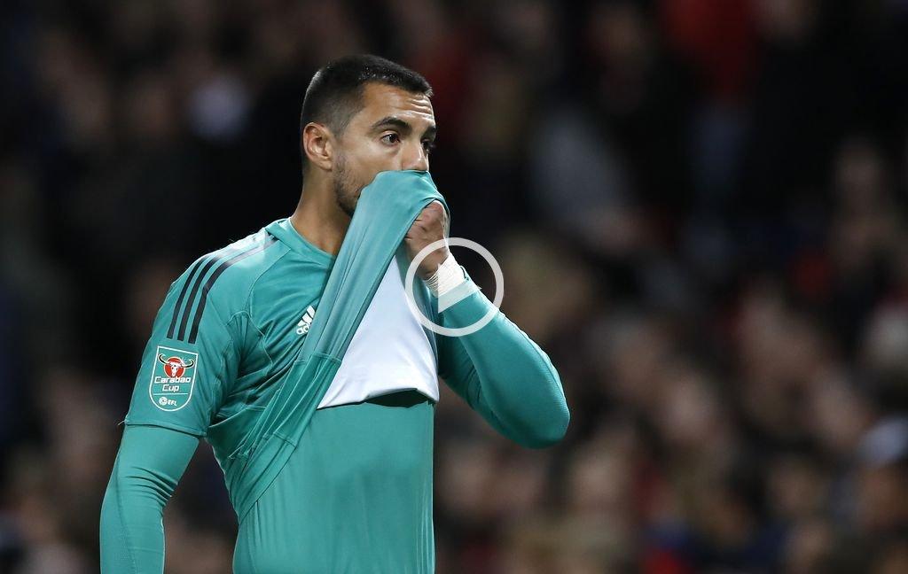 Tras 4 meses, Romero volvió a jugar en el Manchester United y fue expulsado
