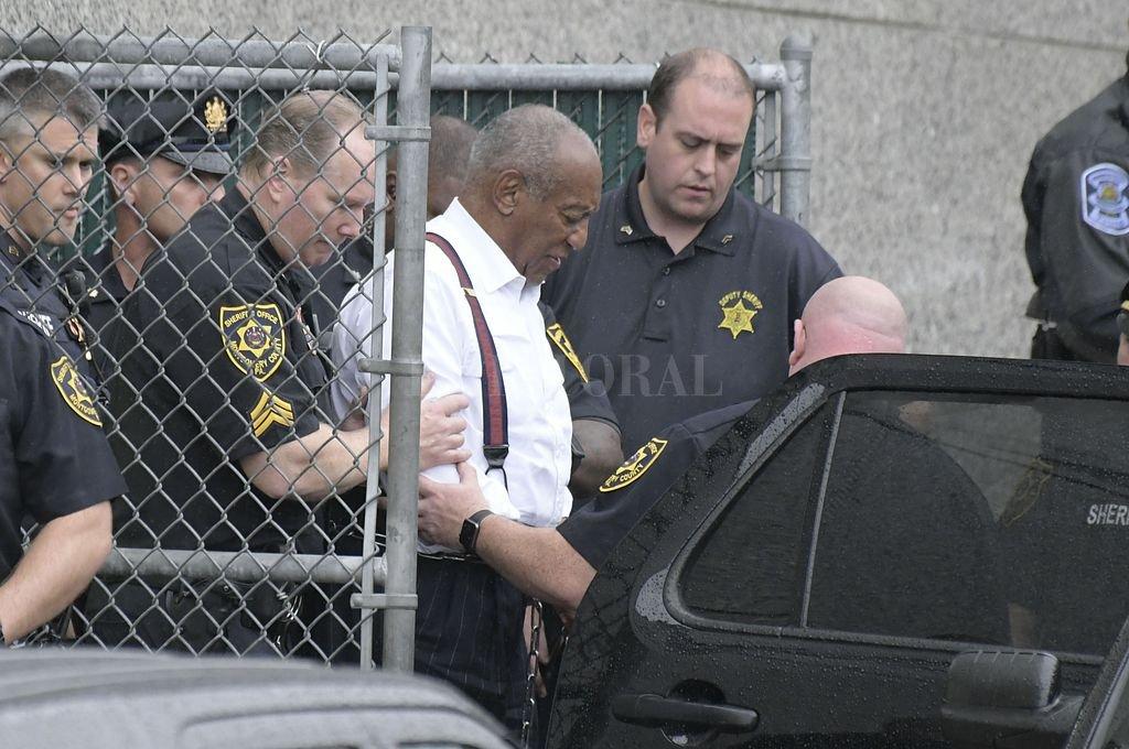Bill Cosby condenado a entre tres y diez años de prisión por drogar y abusar sexualmente de una mujer