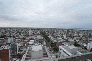 Nubes y sol para este miércoles en la ciudad - Vista desde el edificio Palacio Pellegrini.  -