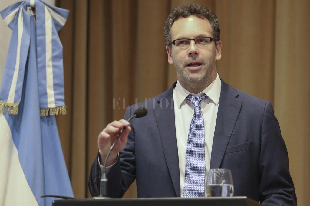 Guido Sandleris inaugura una semana en donde se pulsarán las nuevas medidas que articula el Banco Central. Crédito: Archivo El Litoral