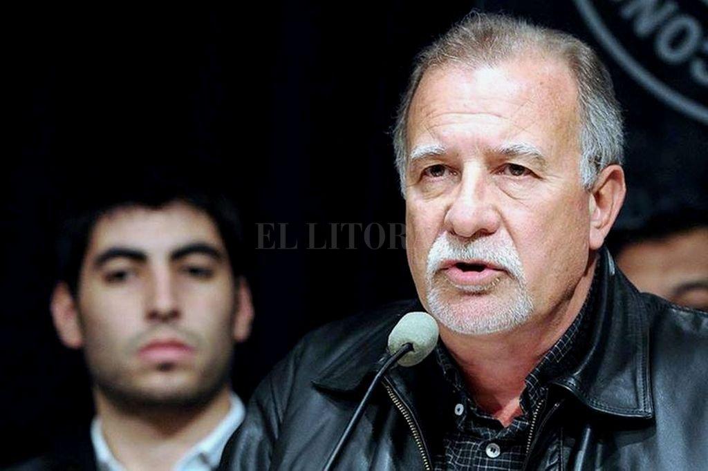 El titular del sindicato de Canillitas Omar Plaini consideró este lunes que el alejamiento de Juan Carlos Schmid del triunvirato que conduce la CGT evidencia la profundización de una crisis y no descartó nuevas renuncias. Crédito: Internet