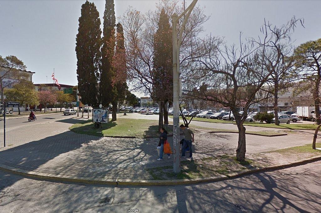 Estacionamiento que se encuentra frente al club Unión. <strong>Foto:</strong> Captura digital Google Maps Street View