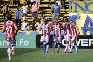 Unión goleó 4 a 0 a Rosario Central y se prende arriba