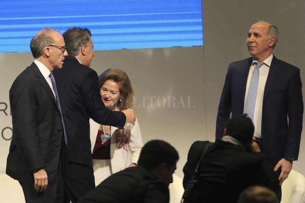 Rosenkrantz y Lorenzetti, este martes en la reunión de jueces del G20, junto a Elena Highton y Mauricio Macri. Crédito: NA