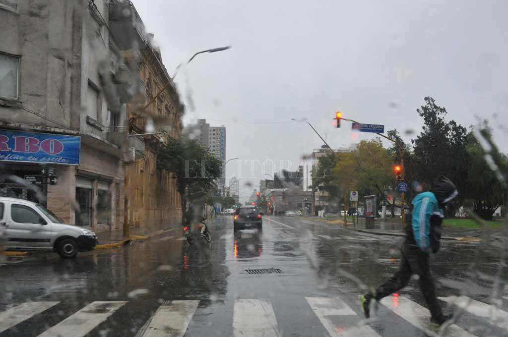 El viernes se presenta lluvioso en la ciudad <strong>Foto:</strong> Flavio Raina