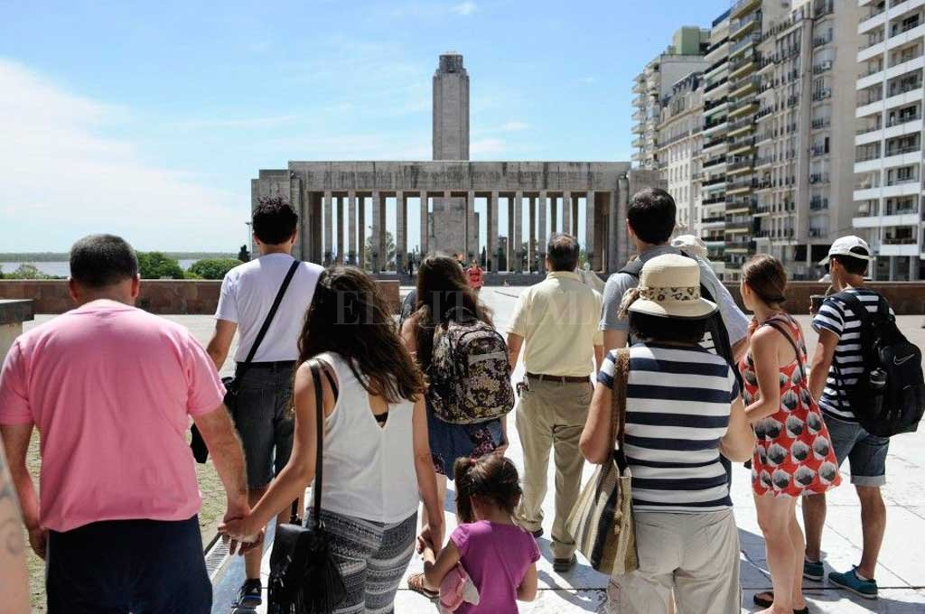 Rosario y Bariloche, los destinos que más crecieron en turismo receptivo