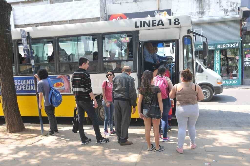 La línea 18 es una de las que funcionan con normalidad, junto con la 5, 10, 11, 13 y 16. Crédito: Archivo El Litoral / Flavio Raina