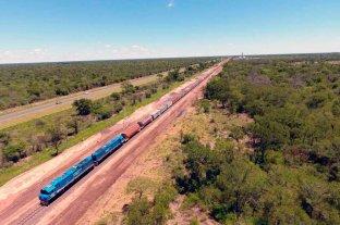 Récord del Belgrano Cargas  - 100 vagones. En algunos tramos desde Avia Terai, el Belgrano Cargas suma convoyes de gran porte. Sin la circunvalar de Santa Fe, el viaje al sur se demora.