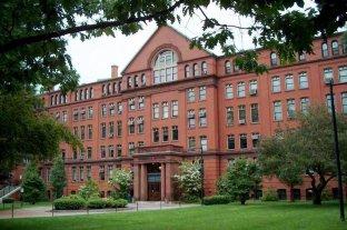 Escándalo en Harvard: un reconocido científico falsificaba datos en sus investigaciones - Universidad de Harvard. -