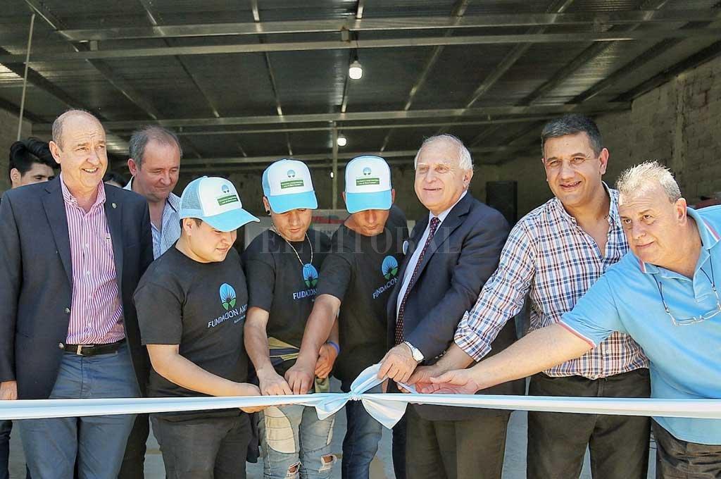 Se inauguró en Recreo una planta de reciclado plástico