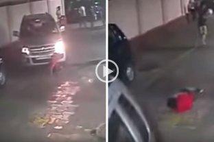 Increíble: niño fue atropellado por un auto, se levantó y siguió jugando al fútbol -  -