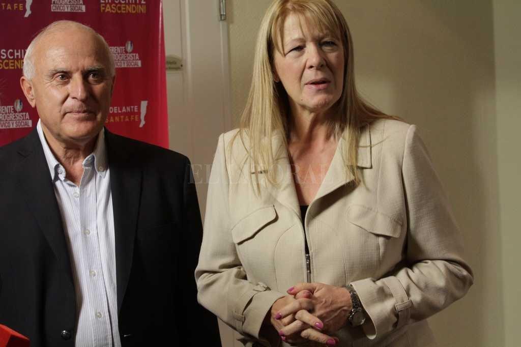 El gobernador Miguel Lifschitz junto a la ex candidata a presidente Margarita Stolbizer.  Crédito: Archivo El Litoral