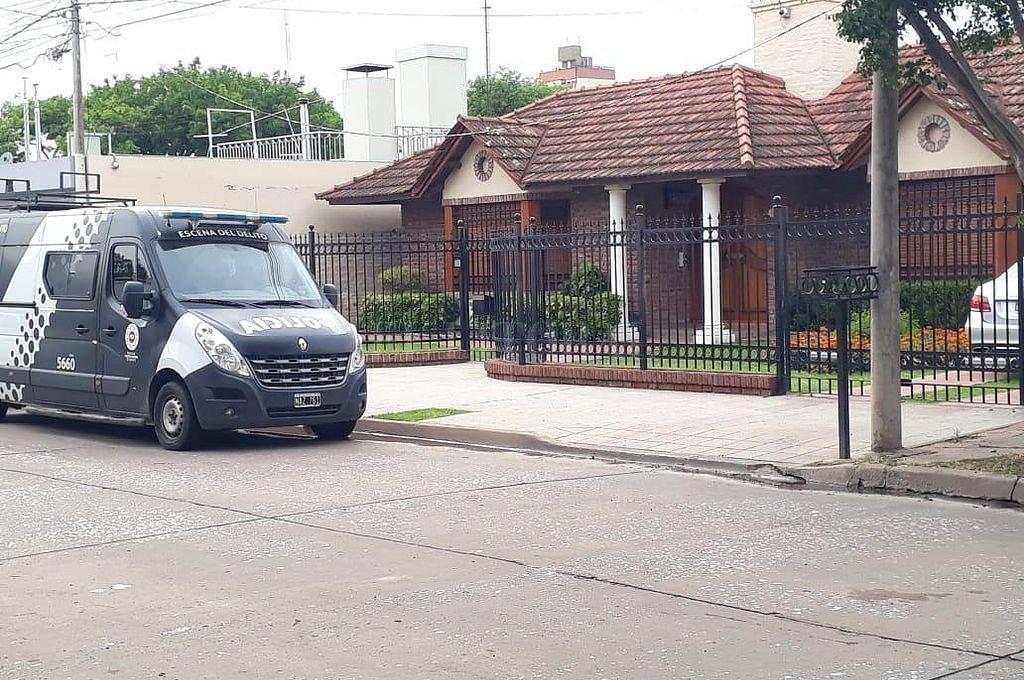 La banda de los $ 1000 millones: 14 detenidos por estafas inmobiliarias - Vivienda donde se realizó uno de los operativos. -