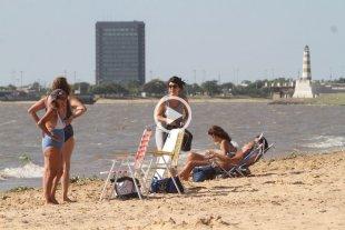 Guardavidas piden extender la temporada de playas -  -