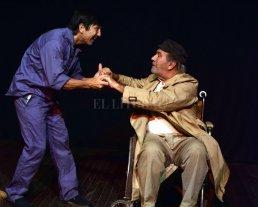 """Teatro para el fin de semana - Juan Carlos Gallego y Jorge Ricci actúan en """"Con el agua al cuello"""". -"""