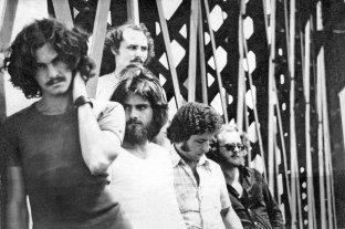 """""""65/75 Comarca Beat"""" y recital de Brindisi - Virgem, con Miguel Bertolino al frente, figura trascendente de la escena del rock santafesino en sus orígenes, entre 1965 y 1975. -"""