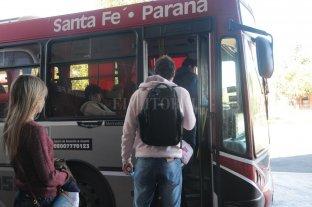 En medio de la polémica, volvió a aumentar el colectivo a Paraná -  -