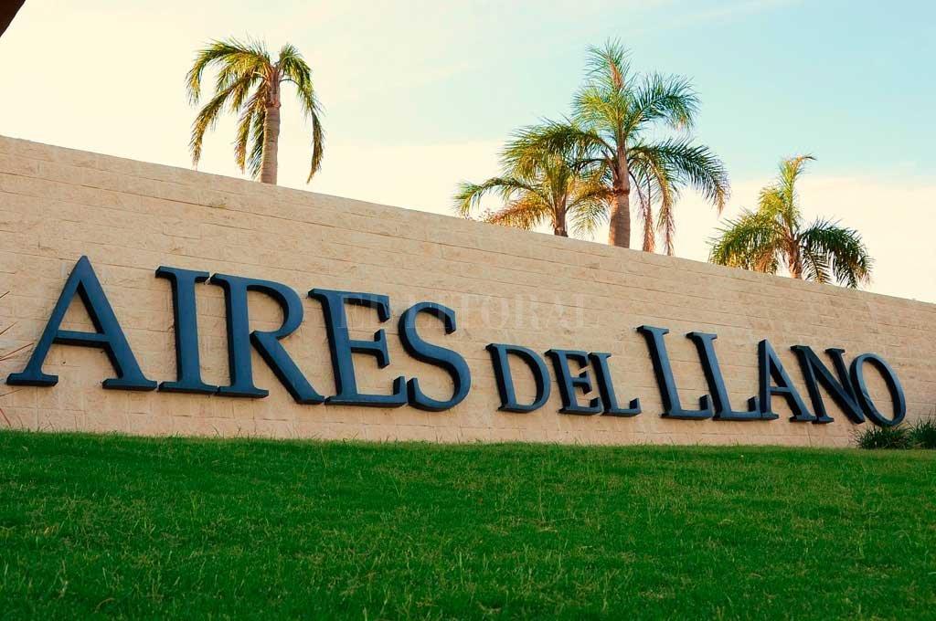 Vecinos gestionan la suspensión de la subasta de terrenos en Aires del Llano -  -