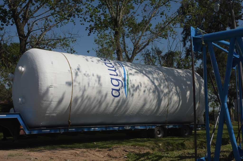 Sauce Viejo: instalaron un tanque de agua para abastecer a tres barrios