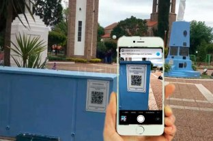 """Humboldt tiene la primera """"plaza digital"""" de Santa Fe  - Los códigos están instalados en la plaza y los principales monumentos de la localidad -"""