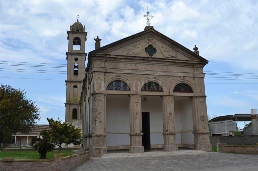 Imponente. El templo de San Agustín se ubica en las inmediaciones de las calles Sarmiento y General San Martín, frente a la plaza principal del pueblo.  <strong>Foto:</strong> El Litoral