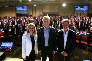 Macri ratificó el impulso  a la reforma laboral - El jefe de Estado con Rosario Altgelt y Javier Goñi, de Idea. -