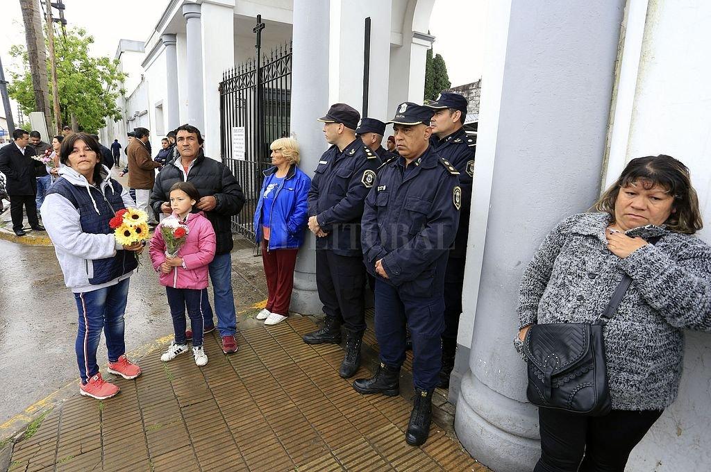 Último adiós a Sheila en medio de un fuerte operativo policial