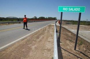 Restringen el tránsito pesado en el puente de la Ruta Provincial N° 4 sobre el Río Salado -  -