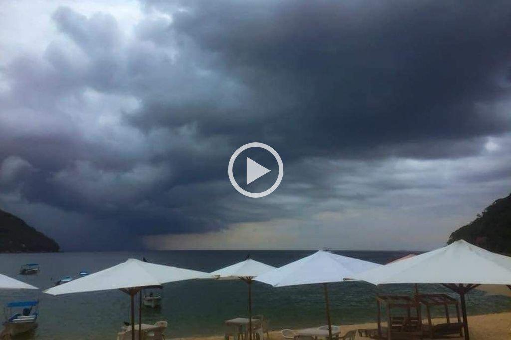 "México: el huracán ""Willa"" se volvió ""extremadamente peligroso"""