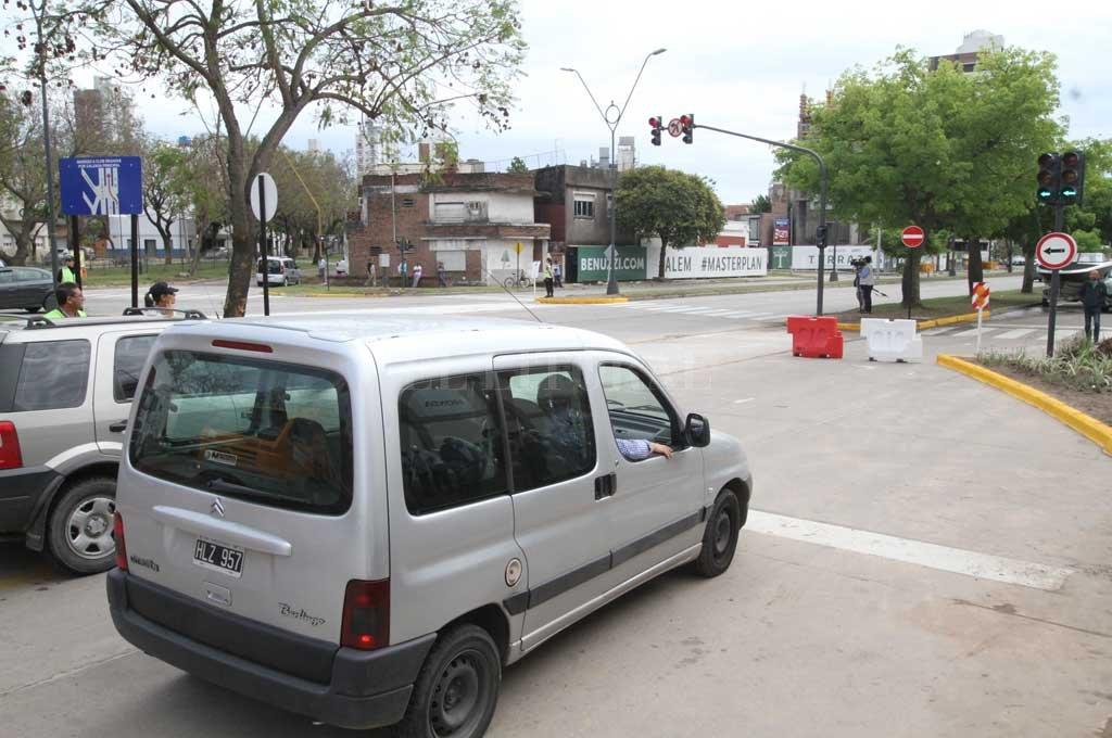 Quedó habilitado el nuevo cruce de  Alem a la altura de Vélez Sarsfield