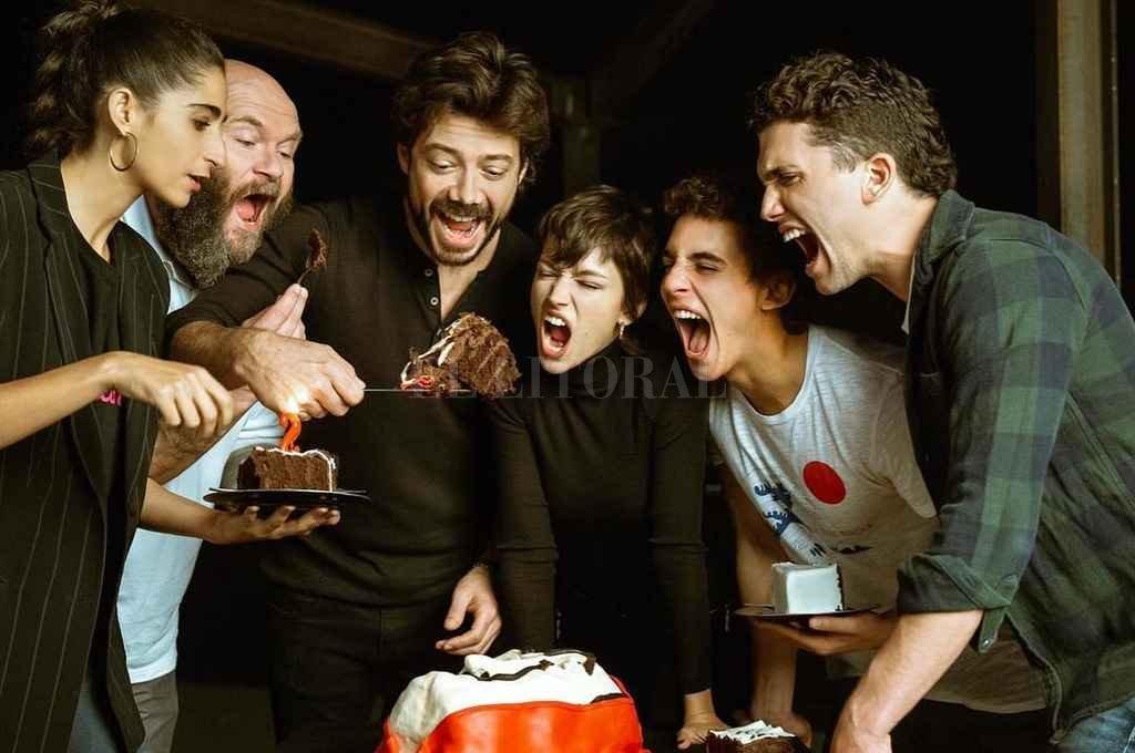"""El elenco de """"La Casa de Papel"""" se juntó para festejar dos años del primer episodio"""