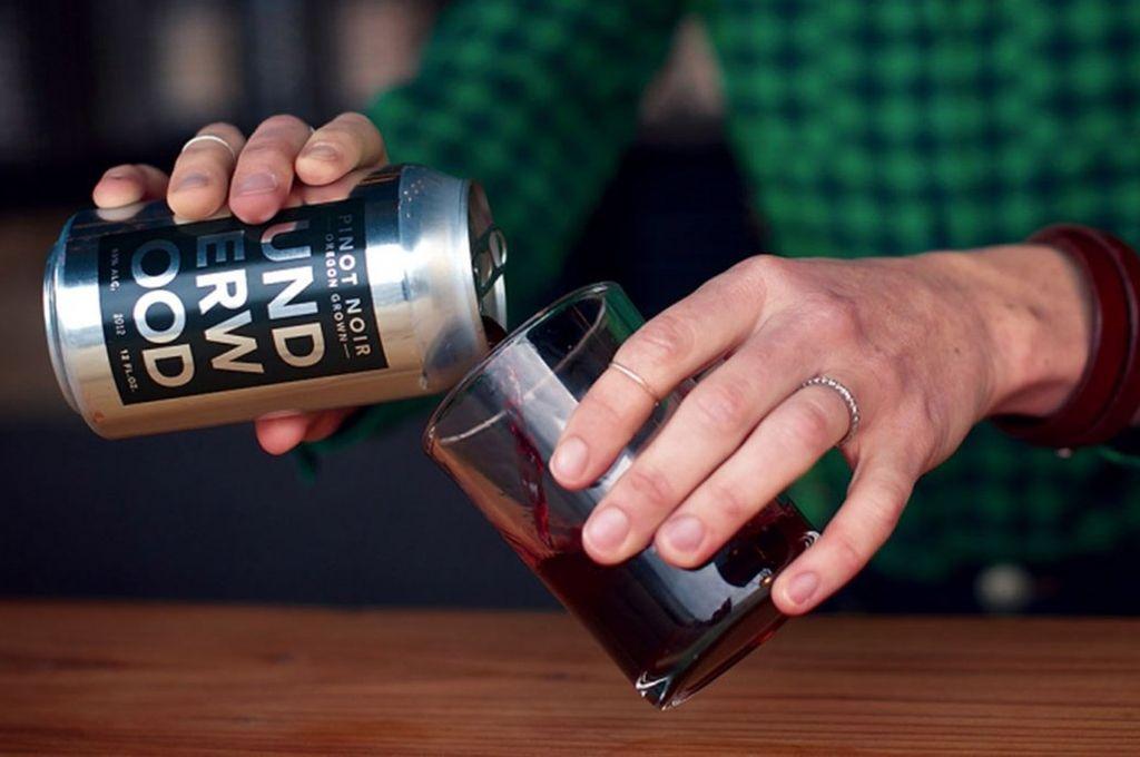 Autorizan la venta de vino en lata y otros envases metálicos
