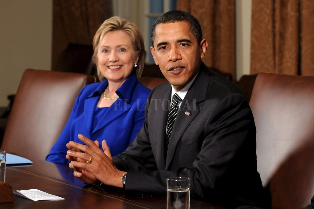 Los demócratas Hillary Clinton y Barack Obama. <strong>Foto:</strong> KEVIN DIETSCH/POOL