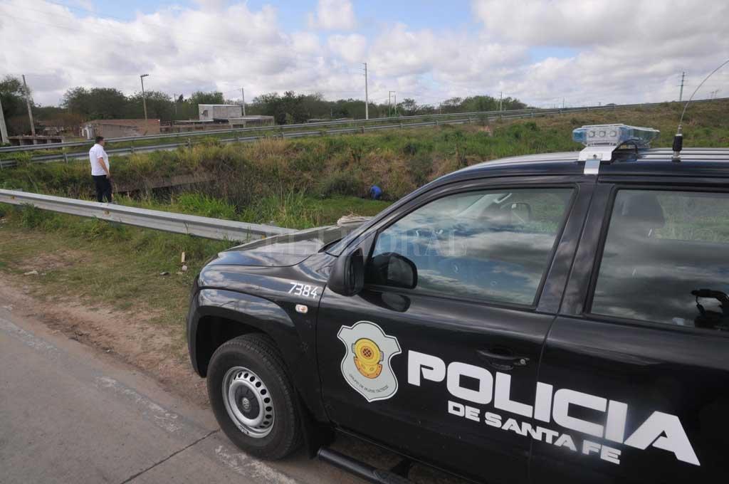 La policía encontró al hombre maniatado en el interior de su camioneta, en un descampado de la circunvalación <strong>Foto:</strong> Archivo El Litoral