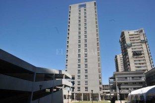 Entregan viviendas de las torres Procrear del Parque Federal