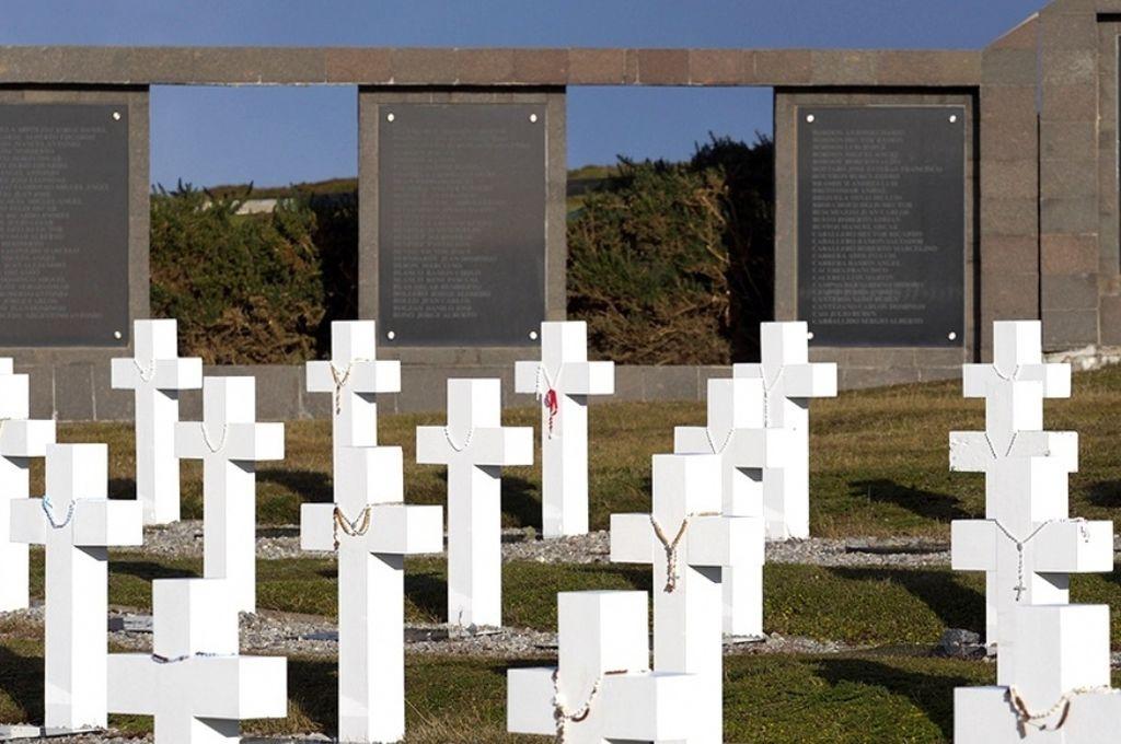 Cementerio de argentinos en las Islas Malvinas <strong>Foto:</strong> Internet