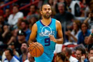 Parker brilló en la victoria de Charlotte Hornets