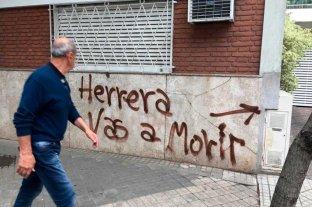 """""""Vas a morir"""", la amenazante pintada contra el goleador de Rosario Central"""