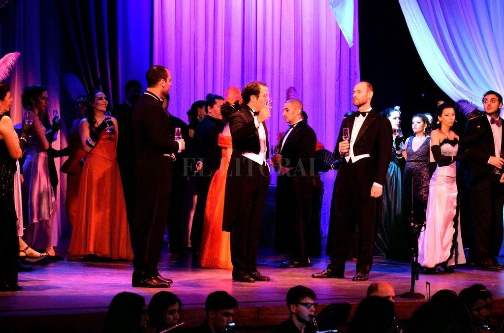 Un pasaje de la obra musical, con gran despliegue escénico y orquesta en vivo. Crédito: Gentileza producción