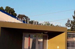 """En Gálvez reclaman por el cartel de un jardín de """"infantez"""""""