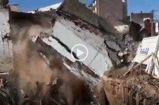 Video: Así se derrumbó parte de una propiedad en plena Recoleta