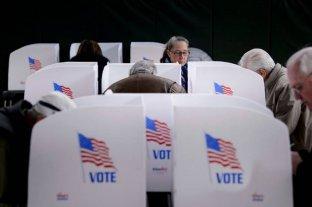 Demoras, desconfianza y problemas técnicos en la jornada electoral de EE.UU