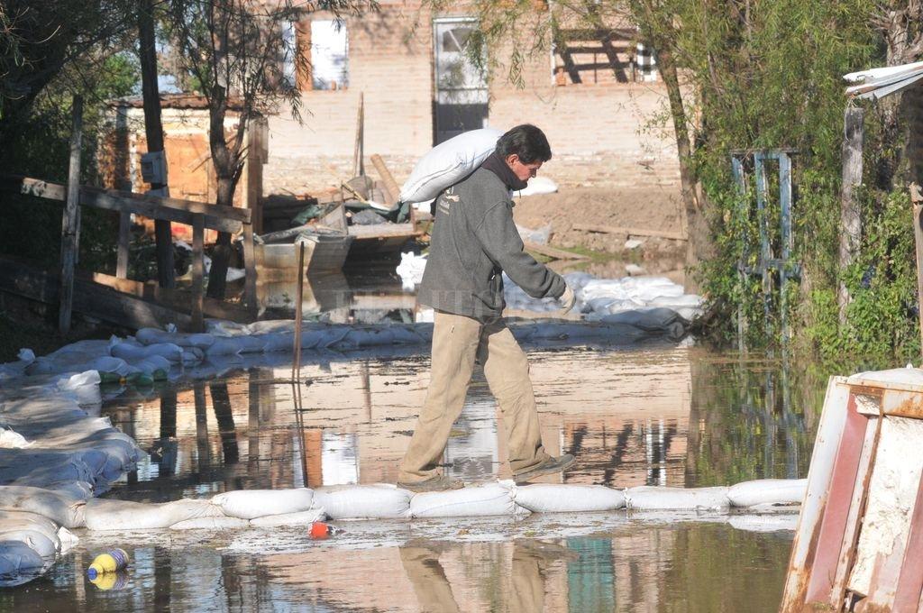 La Vuelta del Paraguayo, uno de los primeros barrios que se inunda cuando hay crecida en la cuenca del Paraná. <strong>Foto:</strong> Archivo / Flavio Raina