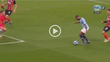 Insólito: Mirá el penal que le cobraron al Manchester City