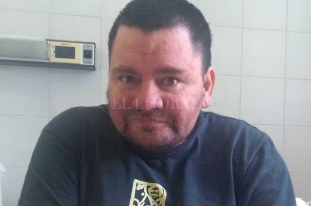 Buscan familiares de Marcelo González, que está internado en el Cullen