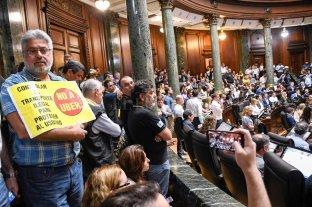 """Buenos Aires: la Legislatura aprobó la llamada """"ley anti Uber"""""""