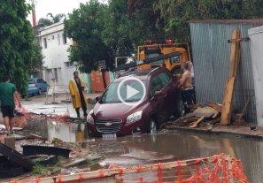 Tucumán y San José: No se percató de la obra hídrica y cayó a la zanja