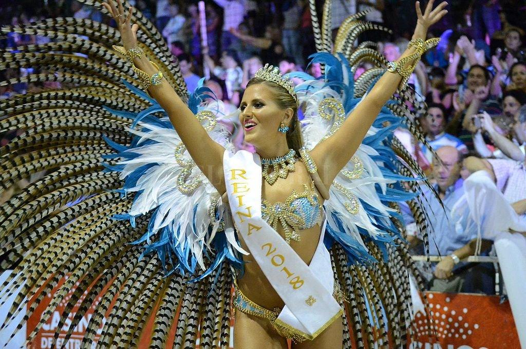 Florencia Jurado, de la comparsa Papelitos, reina de la última edición del Carnaval del País, es una de las firmantes del comunicado. <strong>Foto:</strong> Facebook Oficial Carnaval de Gualeguaychú