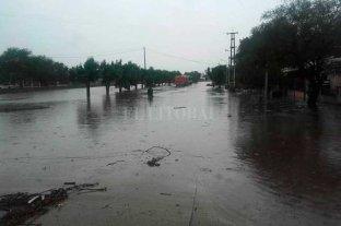 Temporal en Coronda deja unos 100 evacuados  - Coronda con severos problemas por las lluvias caídas -
