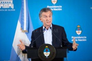Macri firmó el decreto para el bono salarial  -